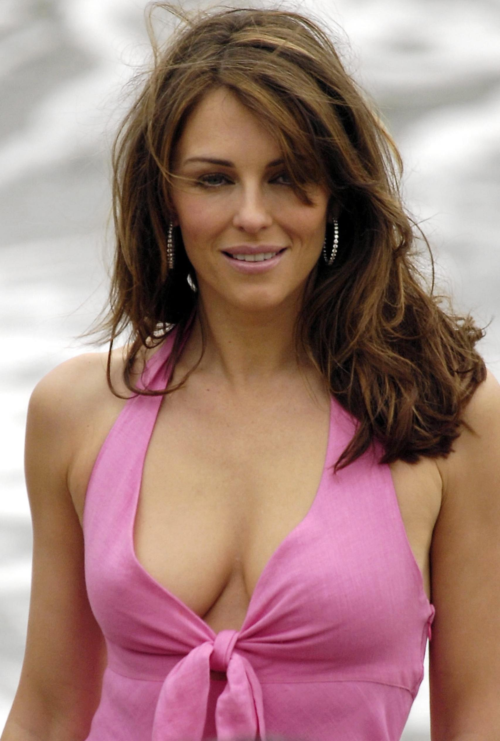 Elizabeth Hurley photo gallery - high quality pics of ...